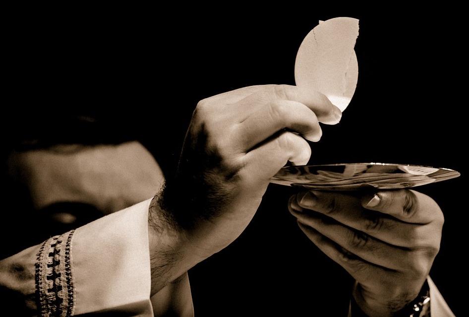 Tajemnica Eucharystii – Boże Ciało – (J 6,51-58)