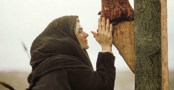 Pod krzyżem – (J 19, 25-27)